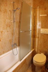 A bathroom at Sant'Ambroeus