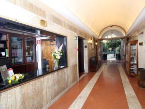 The lobby or reception area at Casa Di Santa Francesca Romana a Ponte Rotto
