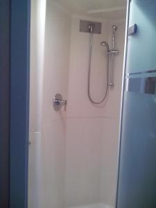 Ванная комната в ibis budget Poitiers Sud