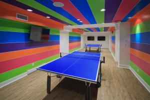 Ping-pong facilities at Hotel Zed Victoria or nearby