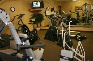 The fitness center and/or fitness facilities at Hampton Inn Mitchell