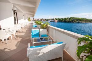 A balcony or terrace at Hotel Lavanda