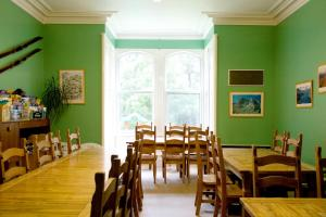 A restaurant or other place to eat at Braemar Youth Hostel