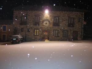 Hotel Rural El Molinero de Santa Colomba de Somoza en invierno