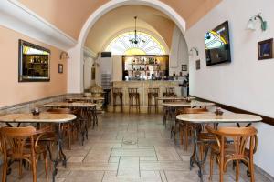 Ресторан / где поесть в Elizabeth Hotel