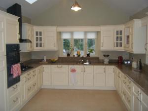 A kitchen or kitchenette at Roseville