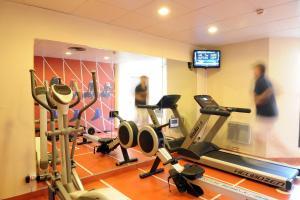 Фитнес-центр и/или тренажеры в Aparthotel Adagio Toulouse Centre Ramblas