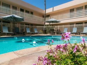 The swimming pool at or near La Jolla Riviera Inn