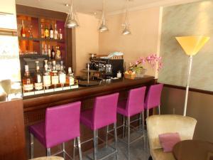 Lounge oder Bar in der Unterkunft Hotel Piemont