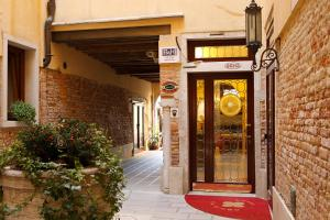 A fachada ou entrada em Hotel Ca' D'Oro