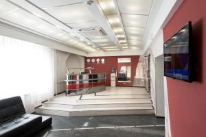 The lobby or reception area at Hotel N