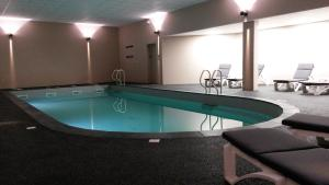 The swimming pool at or near Chateau d'Ayres - Hôtel & Spa