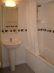 A bathroom at Springfields