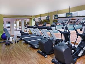 The fitness centre and/or fitness facilities at Millennium Hotel Sirih Jakarta