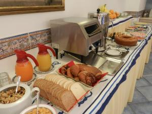 Breakfast options available to guests at Hotel Punta Mesco