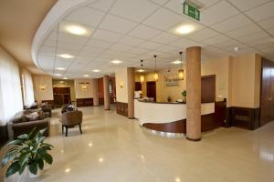 The lobby or reception area at Vis Vitalis Hotel
