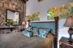 A bed or beds in a room at Villa Celeste