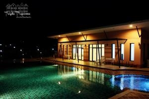 The swimming pool at or near Triple P Home Resort