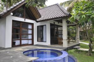 The swimming pool at or near Bali Santi Bungalows