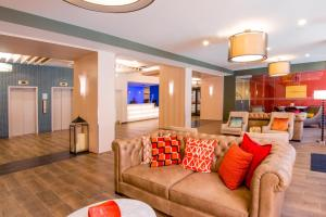 A seating area at Fairfield Inn & Suites by Marriott Charlotte Uptown