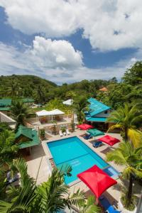 A view of the pool at Patong Rai Rum Yen Resort or nearby