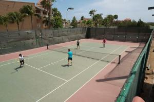 Tennis and/or squash facilities at All Inclusive - Divi Village Golf and Beach Resort or nearby