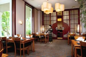 A restaurant or other place to eat at Daeha Serviced Apartment