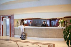 Hall o reception di Mediterranean Hotel
