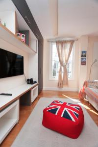 A television and/or entertainment center at ItalianFlat - Camden