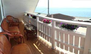 A balcony or terrace at Malina Guest House