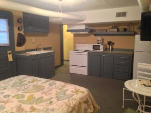 A kitchen or kitchenette at Stone Soup Inn