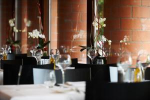 Ein Restaurant oder anderes Speiselokal in der Unterkunft Parkhotel Wallberg