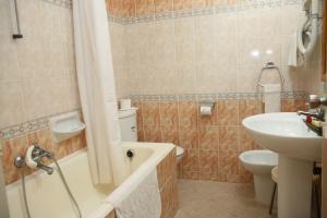 A bathroom at Hotel La Residence Hammamet