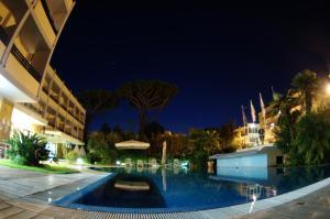 Piscina di Hotel Albatros o nelle vicinanze