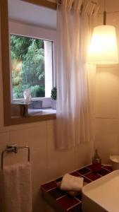 A bathroom at Maison Epellius