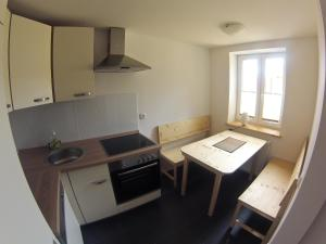 A kitchen or kitchenette at Stavenhof Röbel