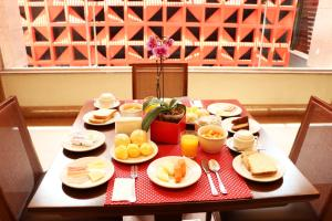 Breakfast options available to guests at S4 Hotel