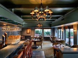 A restaurant or other place to eat at Royal Scot Hotel & Suites
