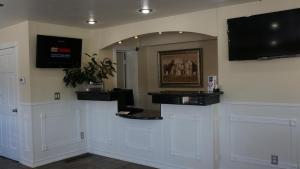 A television and/or entertainment center at Hotel Vernon