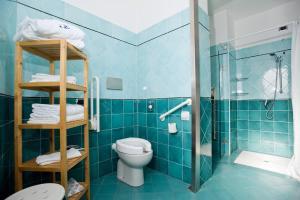 A bathroom at Excelsior Hotel E Appartamenti