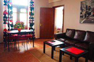 Гостиная зона в ИЛИАН Хостел