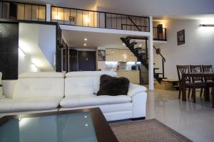 Гостиная зона в New Gudauri Luxe Apartments