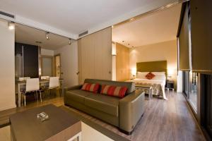 Coin salon dans l'établissement Casp 74 Apartments