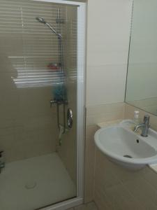 A bathroom at Prestigious Princes Wharf