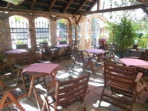 Restoranas ar kita vieta pavalgyti apgyvendinimo įstaigoje Guest House Iva
