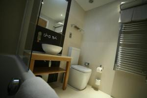 A bathroom at Best Western The Boltons Hotel London Kensington