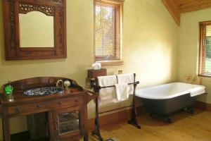 A bathroom at Kentisbury Country House