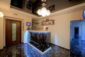 Кухня или мини-кухня в Алекс отель на Дыбенко