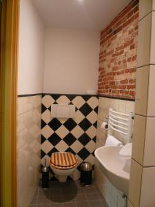 A bathroom at B&B Pakhuis Emden