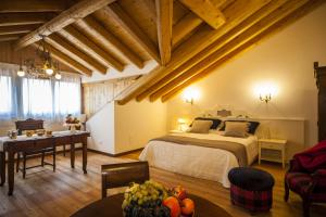 A bed or beds in a room at Agriturismo Le Volpi